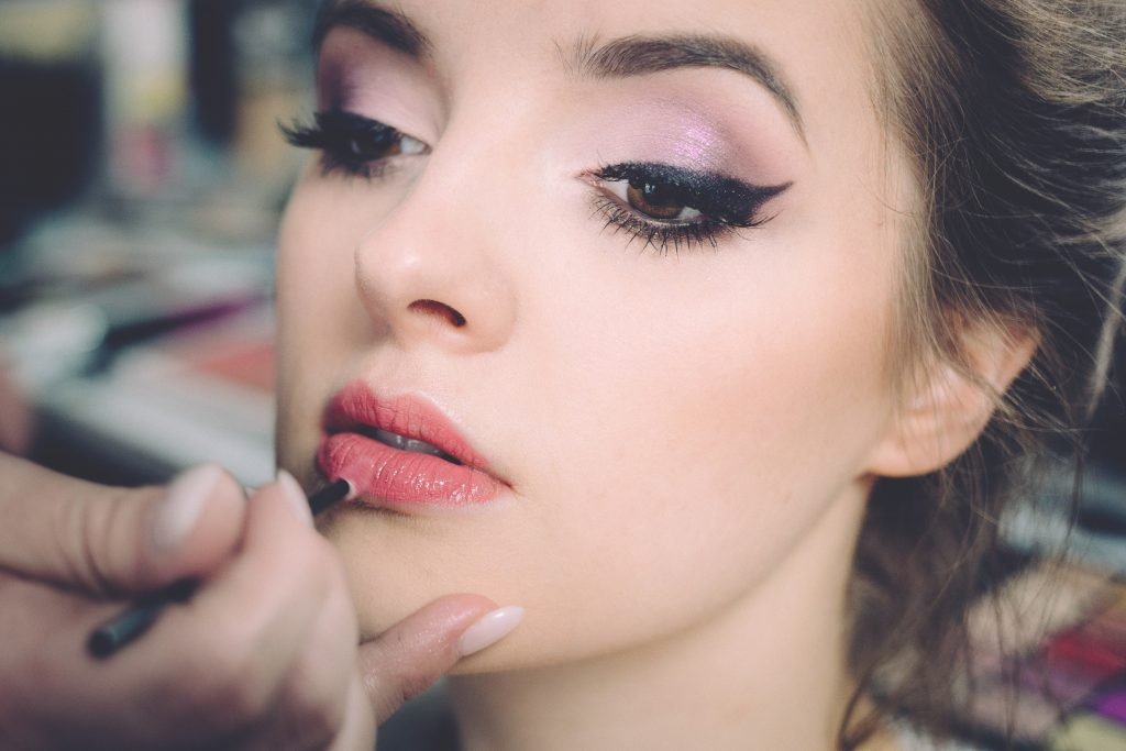 how to host a makeup party at home